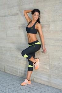NELLY Black fitnesz sportmelltartó